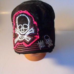 Women's fitted black skull hat